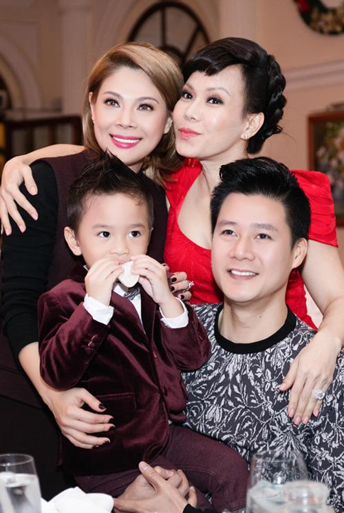 Quang Dũng ôm nựng con trai Thanh Thảo - 7