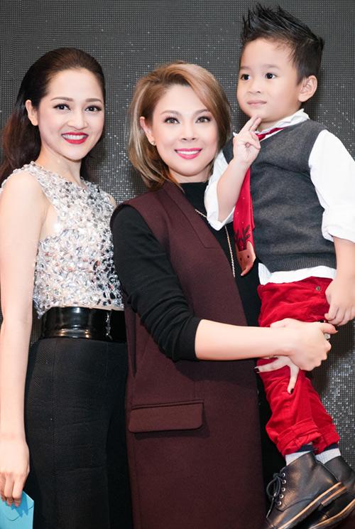 Quang Dũng ôm nựng con trai Thanh Thảo - 11