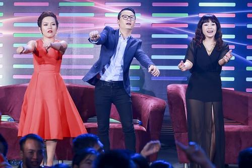 """Ngọc Khuê """"quậy"""" cùng Hoàng Bách trên sân khấu - 3"""
