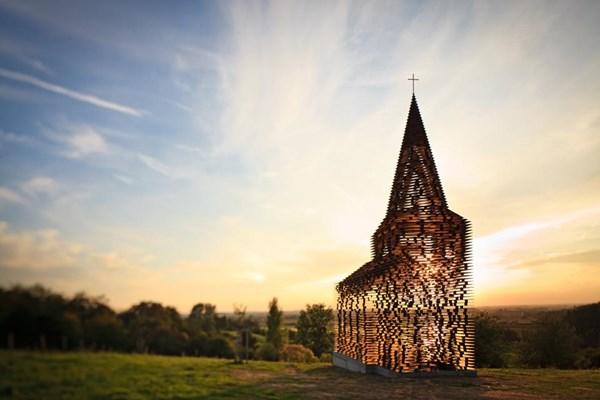 """Lạ lẫm nhà thờ """"tự biến mất"""" ở Bỉ - 2"""