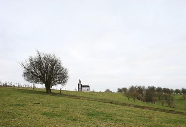 """Lạ lẫm nhà thờ """"tự biến mất"""" ở Bỉ - 12"""