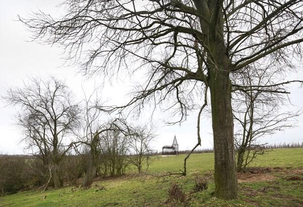 """Lạ lẫm nhà thờ """"tự biến mất"""" ở Bỉ - 8"""