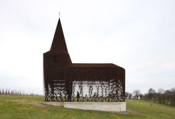 """Lạ lẫm nhà thờ """"tự biến mất"""" ở Bỉ - 9"""