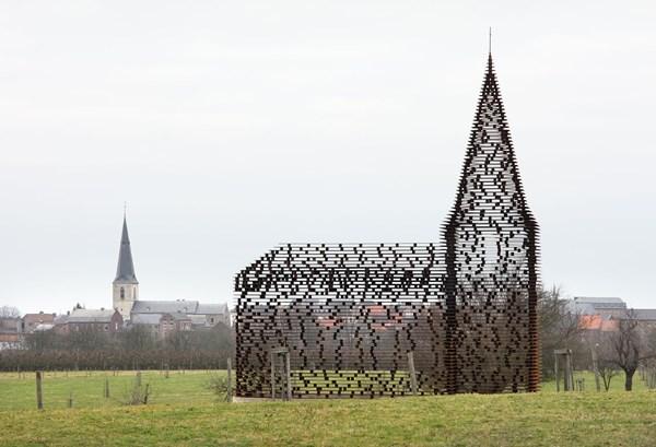 """Lạ lẫm nhà thờ """"tự biến mất"""" ở Bỉ - 10"""