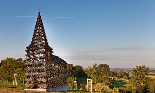 """Lạ lẫm nhà thờ """"tự biến mất"""" ở Bỉ - 1"""