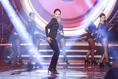 Bảo Anh nóng bỏng trên sân khấu Bài hát yêu thích - 1
