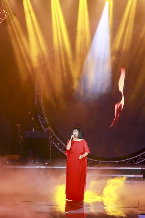 Bảo Anh nóng bỏng trên sân khấu Bài hát yêu thích - 12