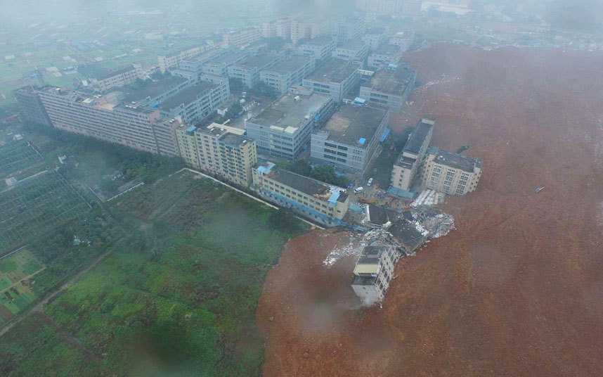 Toàn cảnh vụ sập 33 tòa nhà gần 100 người mất tích ở TQ - 1