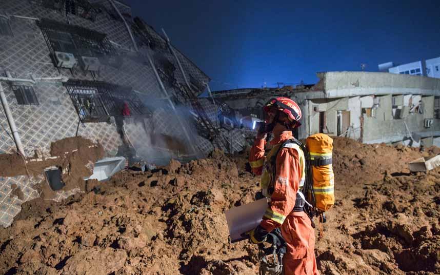 Toàn cảnh vụ sập 33 tòa nhà gần 100 người mất tích ở TQ - 4