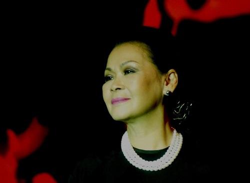 Khánh Ly về Việt Nam để 'cúi xuống thật gần' - 1