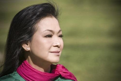 Khánh Ly về Việt Nam để 'cúi xuống thật gần' - 2