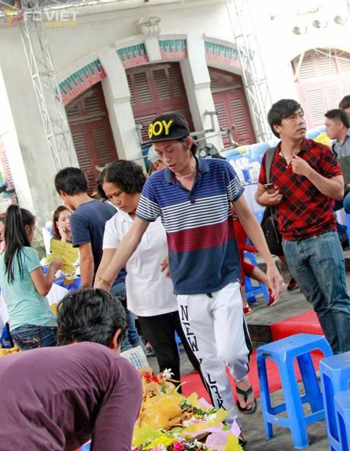 Vẻ ngoài bình dân của Hoài Linh khiến fan yêu mến - 6