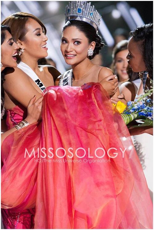 11 khoảnh khắc đẹp của tân Hoa hậu Hoàn vũ ở chung kết - 11