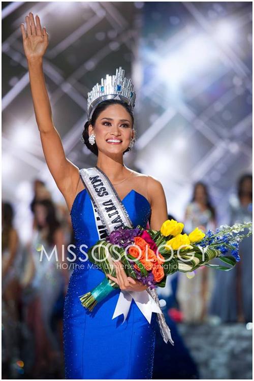 11 khoảnh khắc đẹp của tân Hoa hậu Hoàn vũ ở chung kết - 10