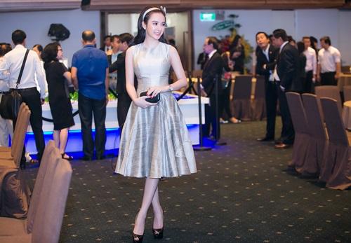 Angela Phương Trinh xinh như công chúa ở tuổi 20 - 4