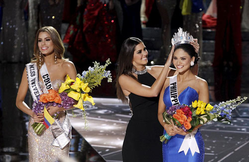 Hoa hậu Hoàn vũ 2015: Tập gym có 3 vòng hoàn hảo - 1