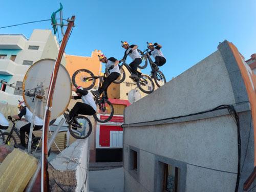 """""""Ảo thuật gia"""" xe đạp và màn chinh phục điên rồ - 5"""