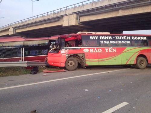 Tai nạn kinh hoàng trên cao tốc Nội Bài - Lào Cai - 3