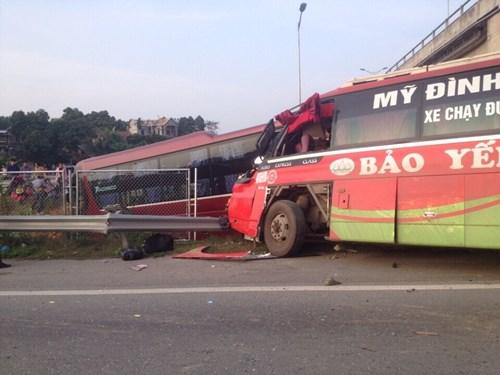 Tai nạn kinh hoàng trên cao tốc Nội Bài - Lào Cai - 4