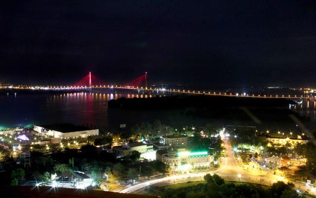 Ngắm dàn đèn nghệ thuật gần 30 tỷ đồng trên cầu Cần Thơ - 4