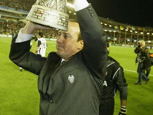 Benitez: Gian khó mới tỏ mặt anh tài - 2