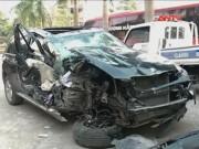 """Video An ninh - CSGT bị """"quái xế"""" BMW tông dập lá lách"""