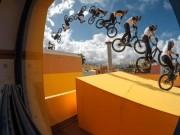 """Thể thao - """"Ảo thuật gia"""" xe đạp và màn chinh phục điên rồ"""