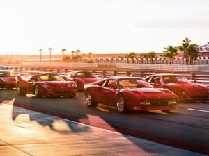 Doanh nhân sở hữu 5 thế hệ siêu xe Ferrari lừng danh