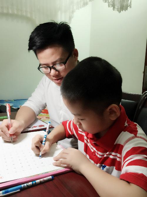 Ngỡ ngàng khả năng viết chữ đẹp như in của một sinh viên ngành Hoá học - 5