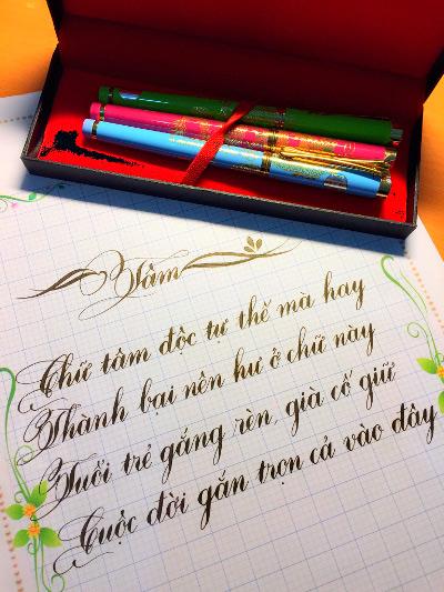 Ngỡ ngàng khả năng viết chữ đẹp như in của một sinh viên ngành Hoá học - 3