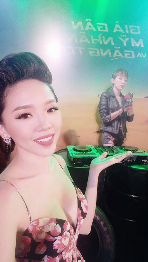 Facebook sao 22/12: Vân Trang khoe nhẫn kim cương 'khủng' - 12