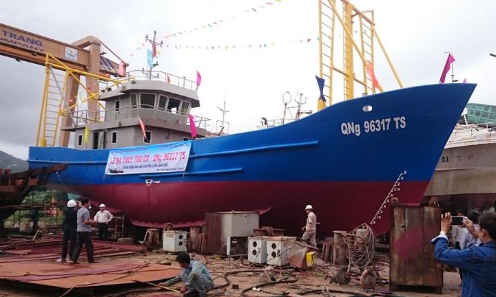 Tặng tàu cá vỏ sắt gần 12 tỉ đồng cho ngư dân Lý Sơn - 1