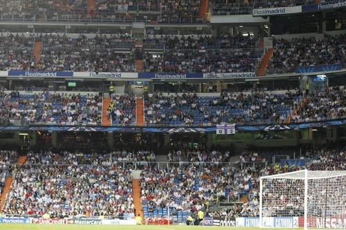 """Real Madrid: Sân Bernabeu ngày càng """"lạnh lẽo"""" - 2"""