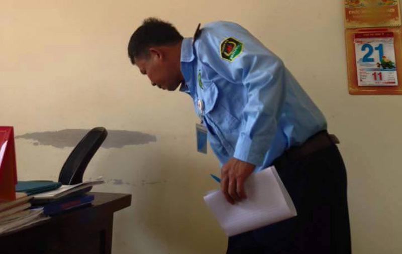 HN: Đang chụp ảnh, phóng viên bị bảo vệ hành hung - 2