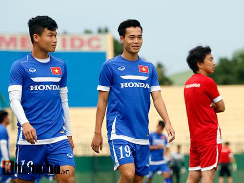 """U23 VN: HLV Miura nổi cáu vì học trò """"chặt chém"""" nhau - 1"""