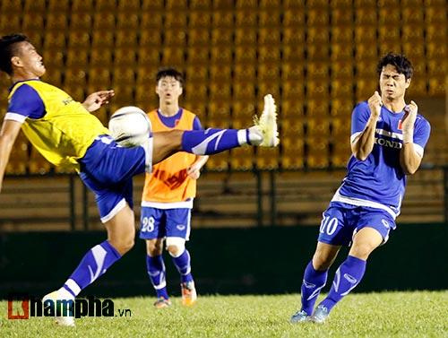 """U23 VN: HLV Miura nổi cáu vì học trò """"chặt chém"""" nhau - 9"""
