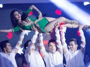 Ca nhạc - MTV - Thủy Tiên hút mọi ánh nhìn vì quá gợi cảm