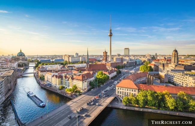 Top 10 thành phố tiệc tùng sôi động nhất châu Âu - 2