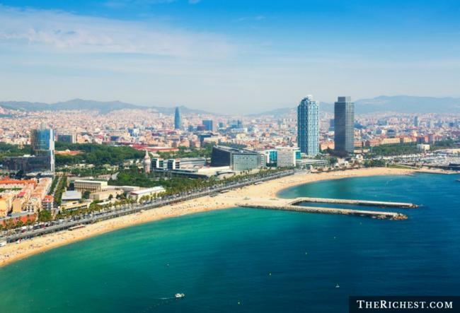 Top 10 thành phố tiệc tùng sôi động nhất châu Âu - 4