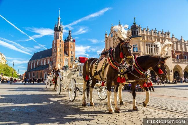 Top 10 thành phố tiệc tùng sôi động nhất châu Âu - 5