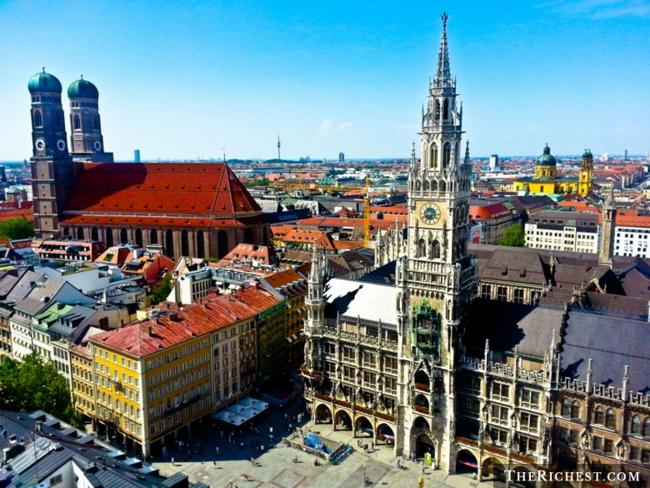 Top 10 thành phố tiệc tùng sôi động nhất châu Âu - 9