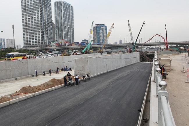 Hai hầm chui lớn nhất Hà Nội sắp được thông xe - 1