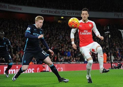 """Arsenal mơ """"hóa rồng"""": Hãy giữ Ozil bằng mọi giá - 1"""