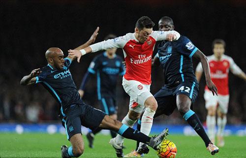 """Arsenal mơ """"hóa rồng"""": Hãy giữ Ozil bằng mọi giá - 2"""