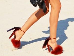 3 cách diện giày lông thật đẹp trong ngày Noel