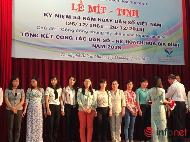 Tốc độ già hóa dân số ở Việt Nam nhanh nhất thế giới! - 1