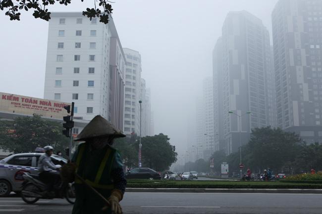 Ảnh: Sương mù dày đặc bao phủ Hà Nội - 2