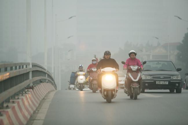 Ảnh: Sương mù dày đặc bao phủ Hà Nội - 6