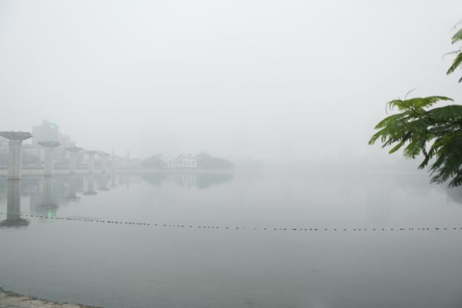 Ảnh: Sương mù dày đặc bao phủ Hà Nội - 7