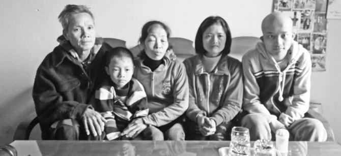 Người mẹ sinh ra 8 đứa con bằng… trái tim - 1